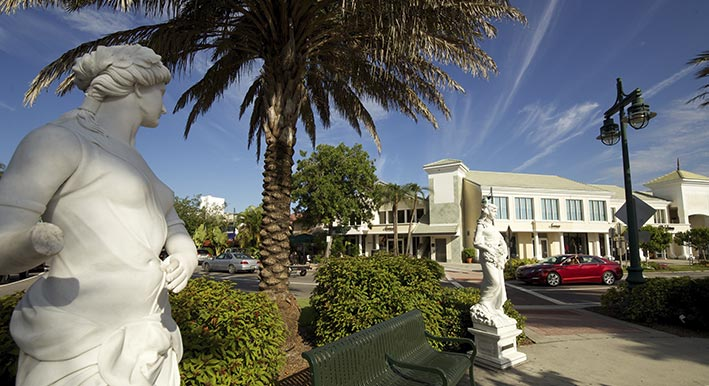 st armands statue and roundabout near bayso sarasota